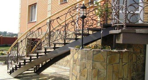 Лестница входная 1