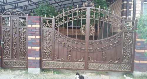 Ворота и калитка из алюминия в порошковой окраске.